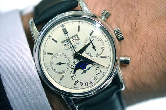 eric-clapton-one-of-a-kind-platinum-patek-phillippe-2499-watch
