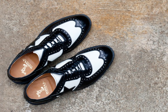 exclusive-bathing-ape-star-regal-2012-fall-winter-brogue-shoes-spectator-black-white-two-tone