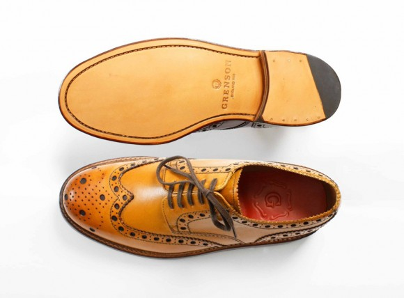 grenson-archie-tan-brogues-broguing-pops-out