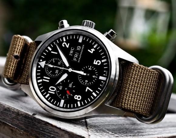 iwc-classic-pilot-chronograph-watch-zulu-5-ring-olive-strap