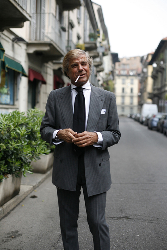 Old man gray hair always smiling in street photography & sartorialist, Lino Ieluzzi