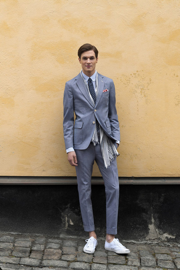 slate gray Suit with contrast Sneakers