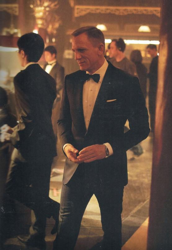 classy-bond-daniel-craig-james-bond-skyfall-tuxedo