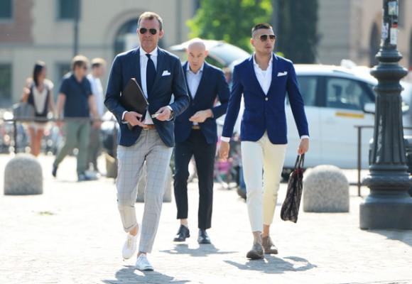florence-street-fashion-classic-combo-blue-tops-light-pants
