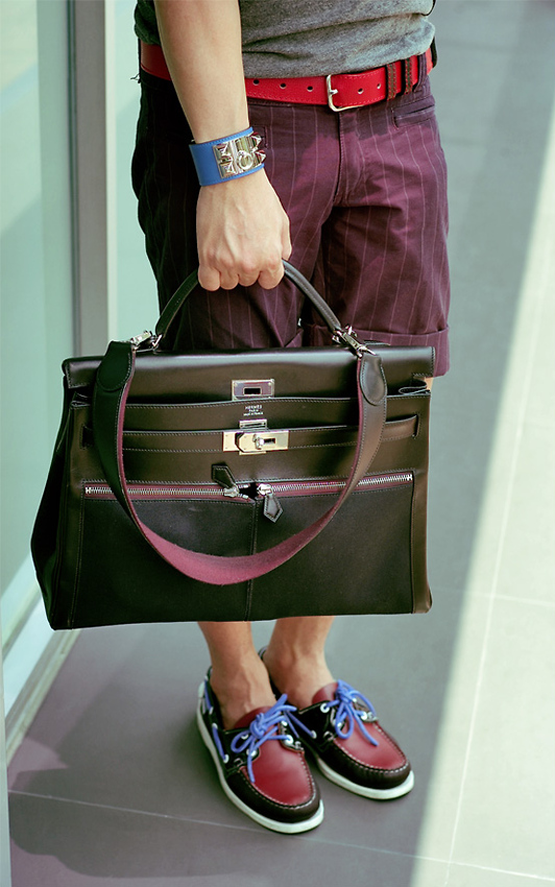 Nice arrangement of colors. The bag is by Hermes and the shoes are