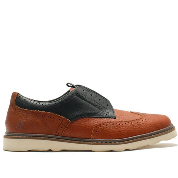 lazy-man-brogue-slip-on-wing-tip-on-the-go