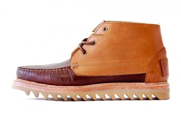 unmarked-serrated-sole-chukka-moc-toe-boot