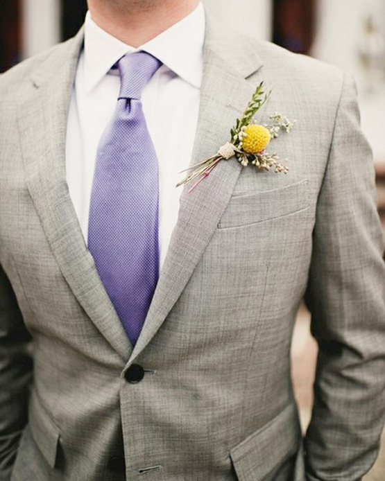 flower-detail-lapel-instead-of-pocket-square-classy-grey-suit-menswear