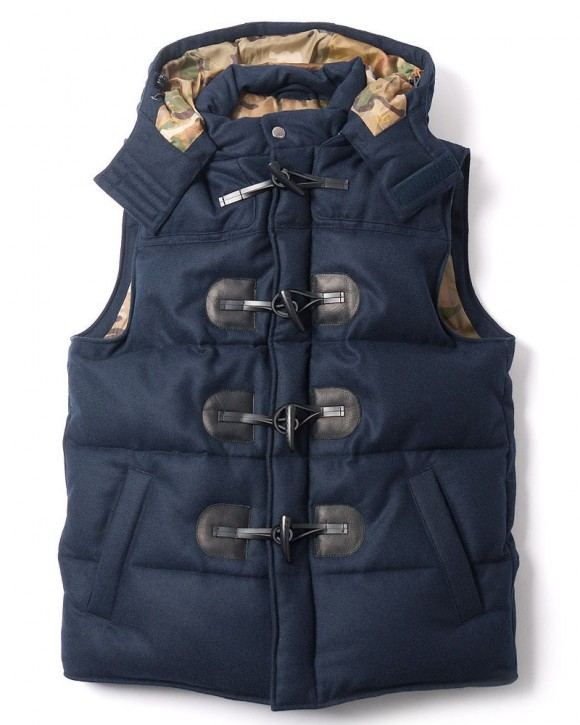 SOPHNET. Vest with Horn Toggle buttons