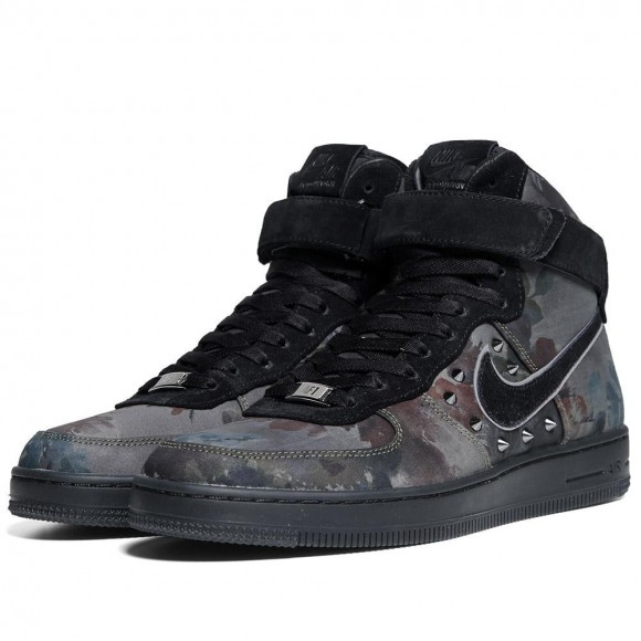 Nike Air Force 1 x Liberty Downtown NRG Floral Studded Sneakers ... f81f9d5f1539