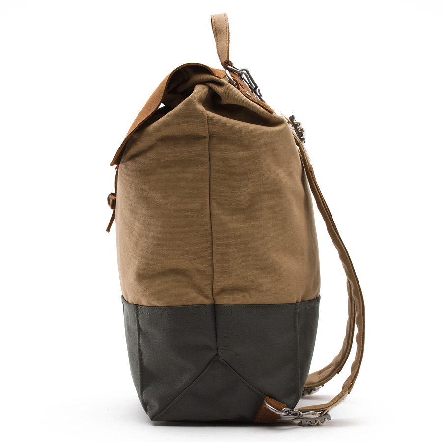 43d5b685e8 Awesome Raw Leather Canvas Backpack - Vans California - SOLETOPIA