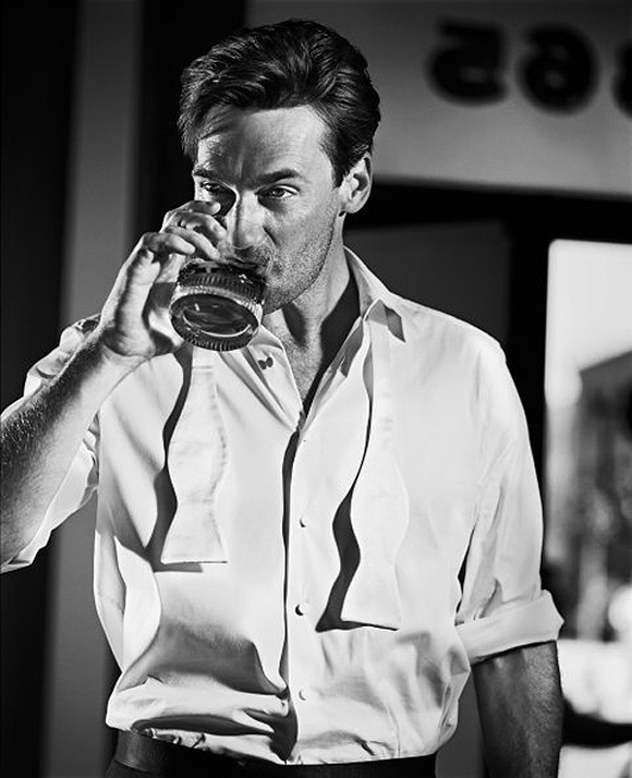 http://www.soletopia.com/wp-content/uploads/2013/02/rugged-jon-hamm-don-draper-having-a-drink-after-getting-fired.jpg