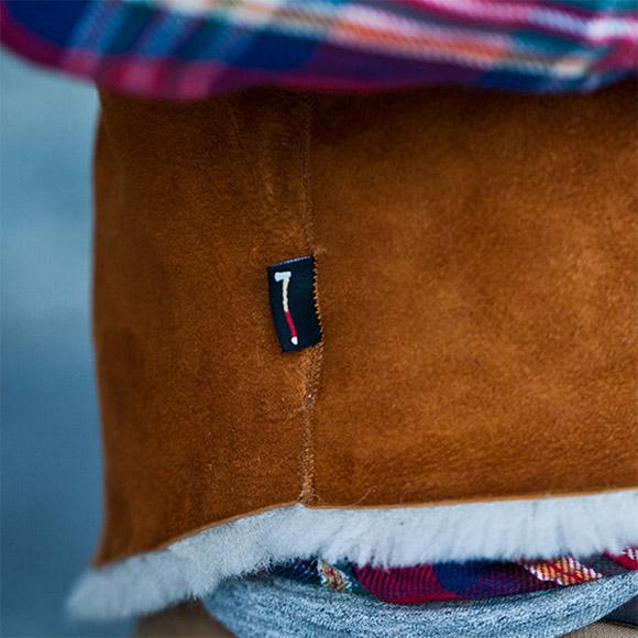 Sheepskin details on warm vest