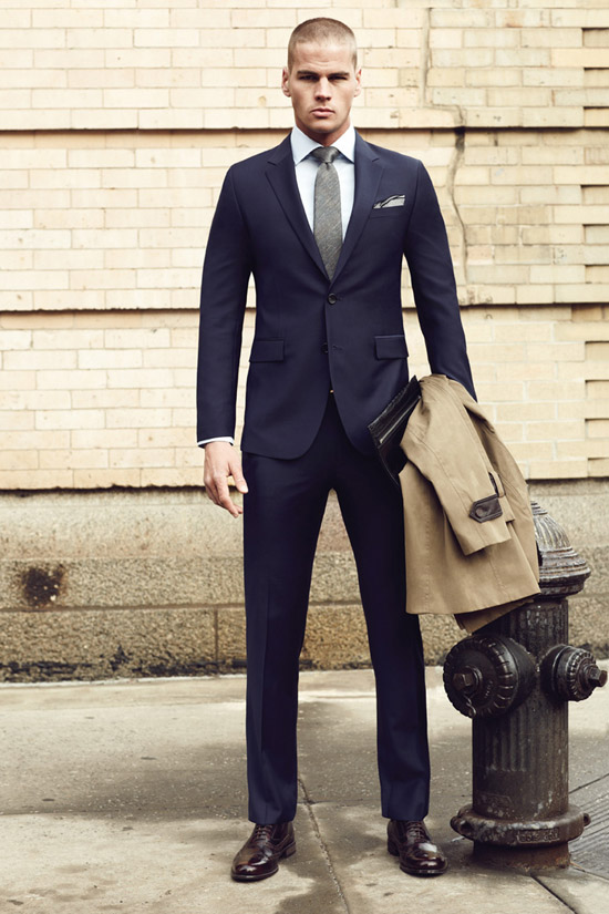 Classy Hooligan navy fitted suit   spread collar | SOLETOPIA