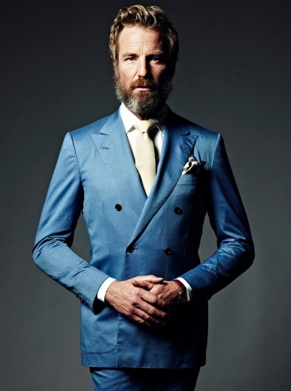 Blue Double-Breasted Suit & White Tie | SOLETOPIA
