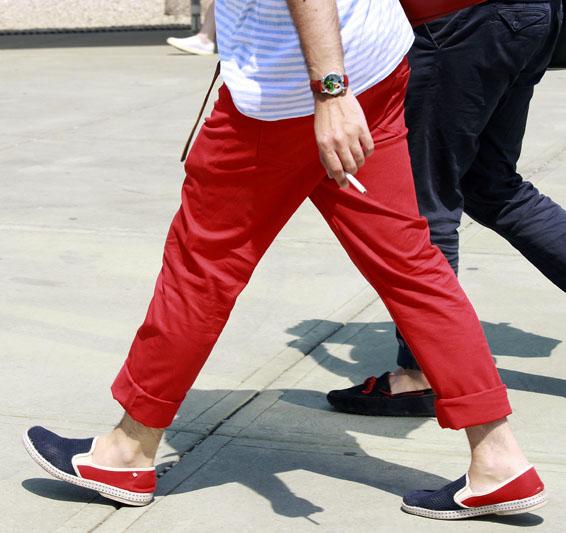 Dapper Report vol. 7 32 red pants red blue espadrilles
