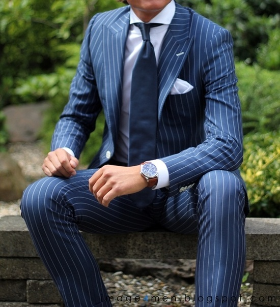 Elegant blue suit & tie pinstripe