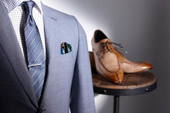 light blue wedding suit idea tan split toe