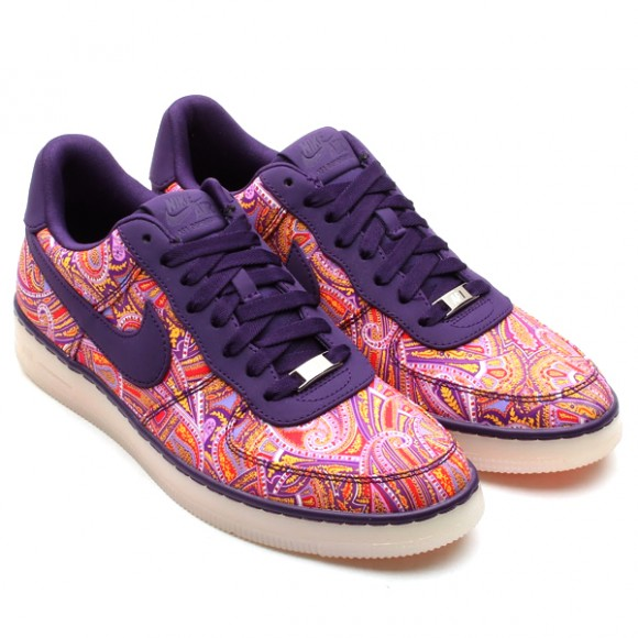 Red multicolor Nike sneakers