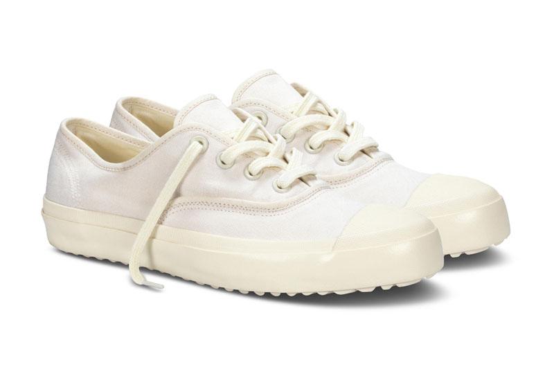 White cap toe vans looking shoe