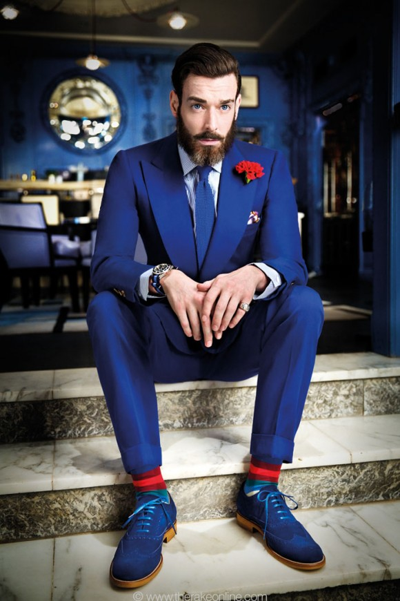How to Match Blue & Red Menswear