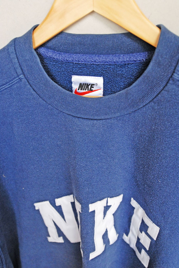 9006f2ebc5 Retro Nike Sweater