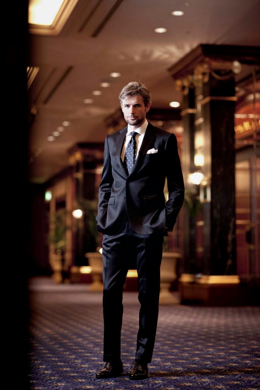 Once Classy Gentleman Black Silk Suit & Tie