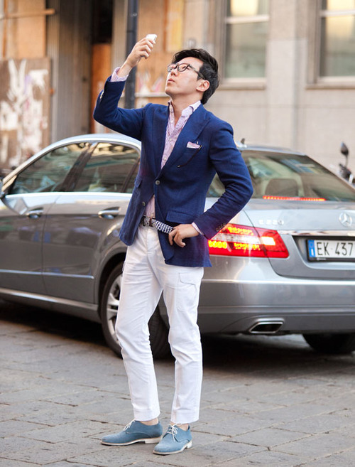 Taking a Fashion Selfie blue jacket white chino