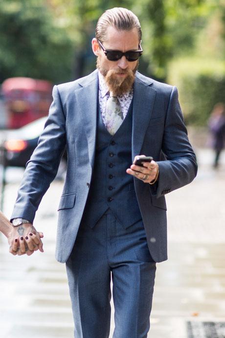 Beard & 3-Piece Suit Justin O'Shea streetstyle