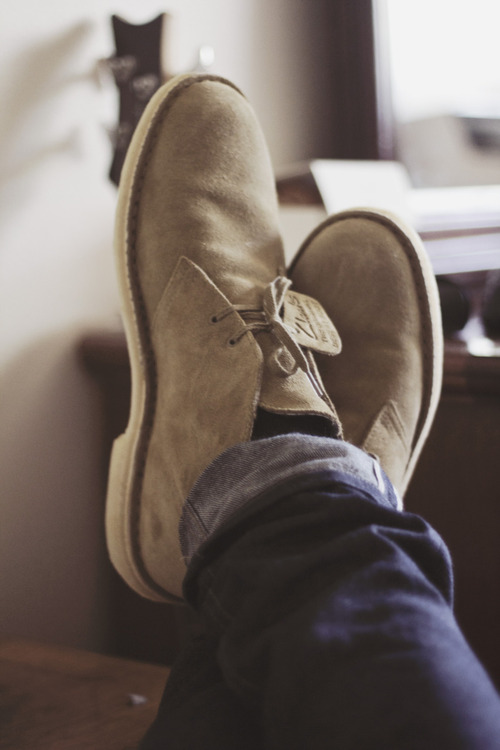 Feet Up Clarks original desert boot