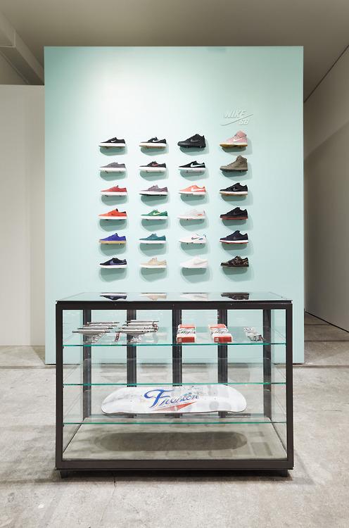 Dapper Report vol.8 33 shoe wall
