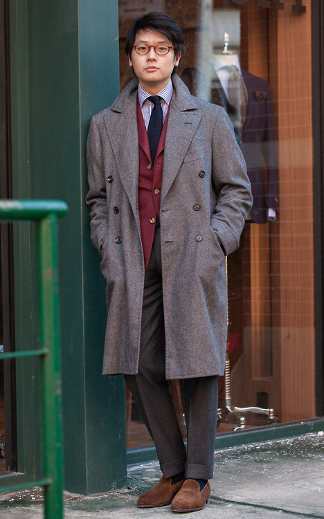 Mark Cho wearing brown & red streetstyle