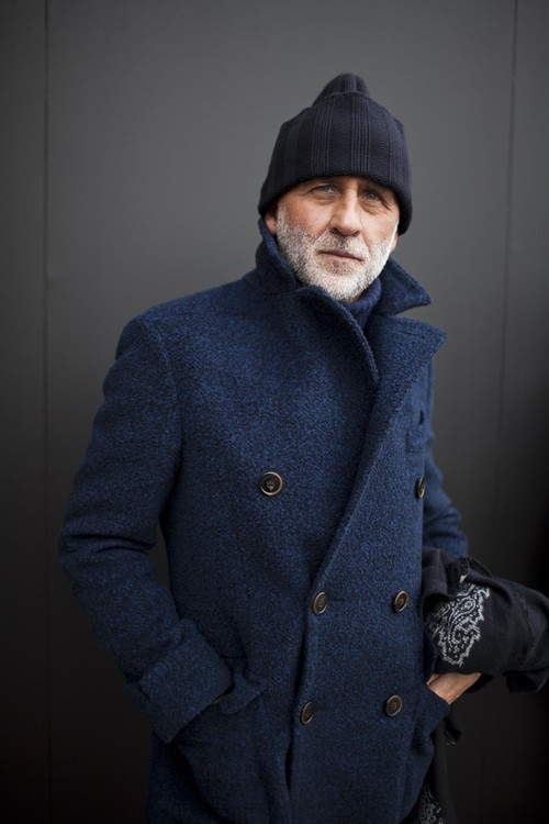 Unlike the more defined history of the Trench Coat, the origins of the peacoat are more stilyaga.tkr, there are several differing versions of the peacoat story out there, so I will share them here to see which one makes the most sense to you.