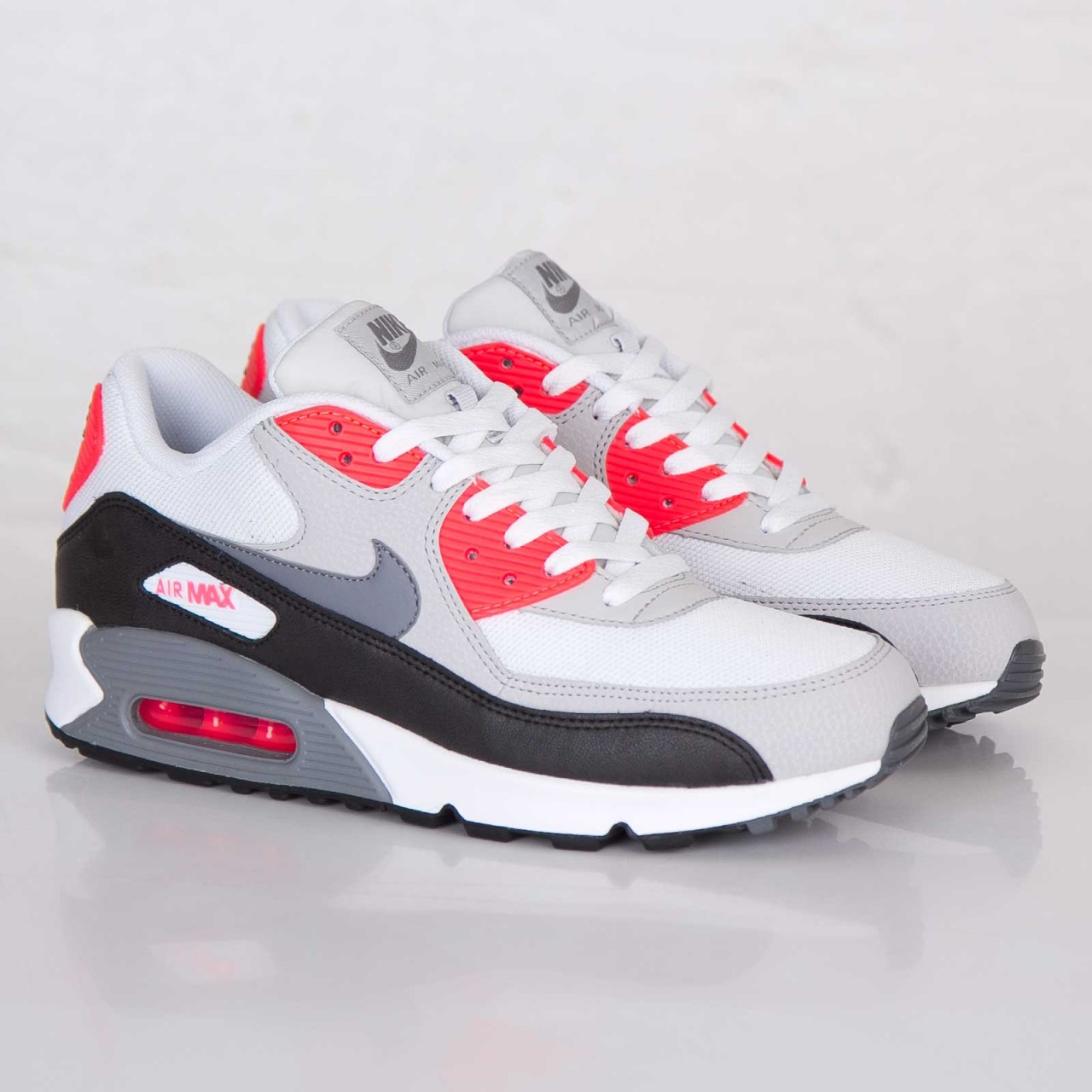 Nike Air Max 90 Essential white grey black red 1