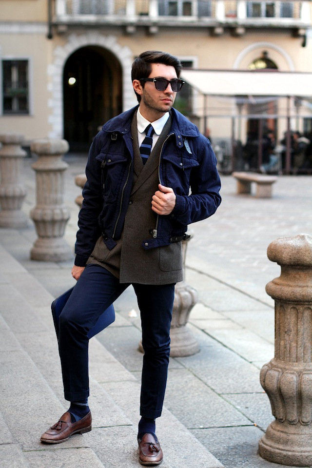 Short Burberry Jacket tones of blue db blazer