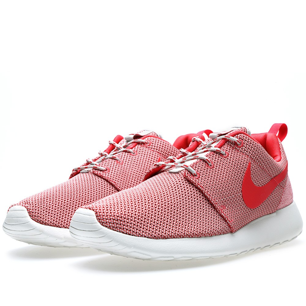 Nike Rosherun Light Base × Geranium