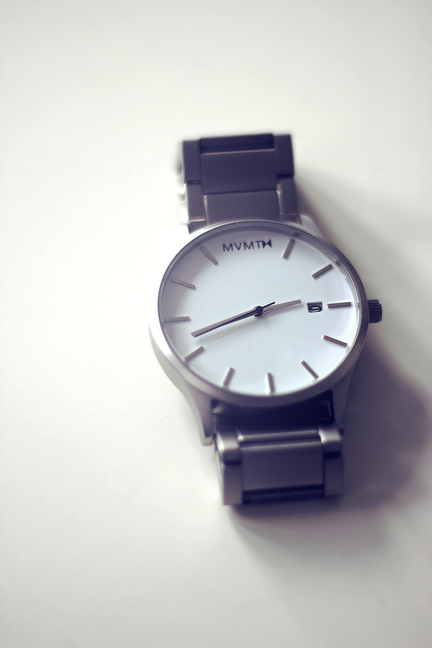 Formal, Casual & Minimal Timepiece