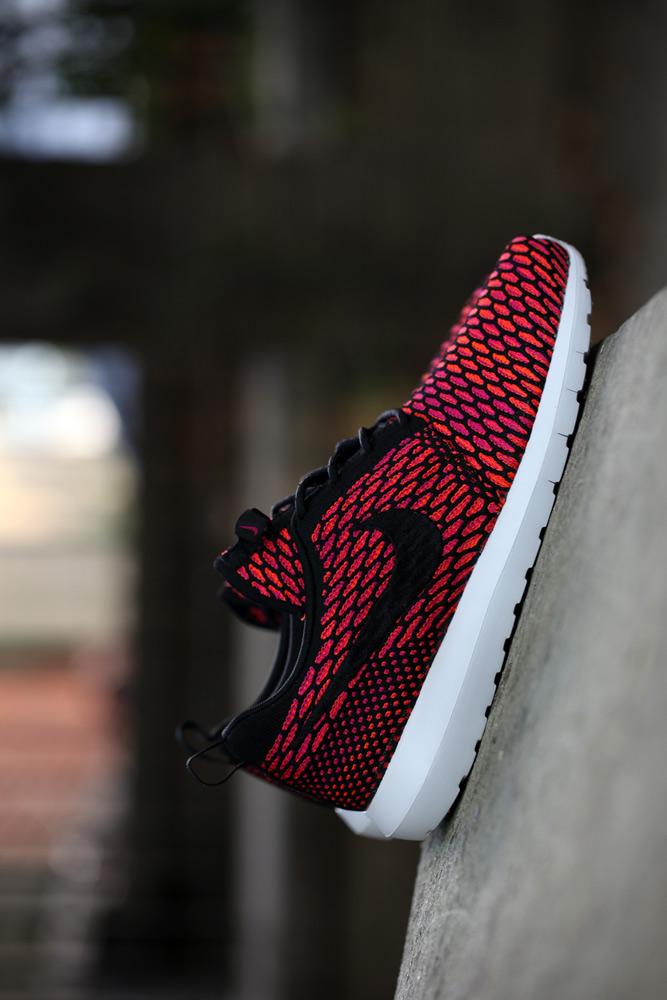 Flyknit Roshe Run Fireberry