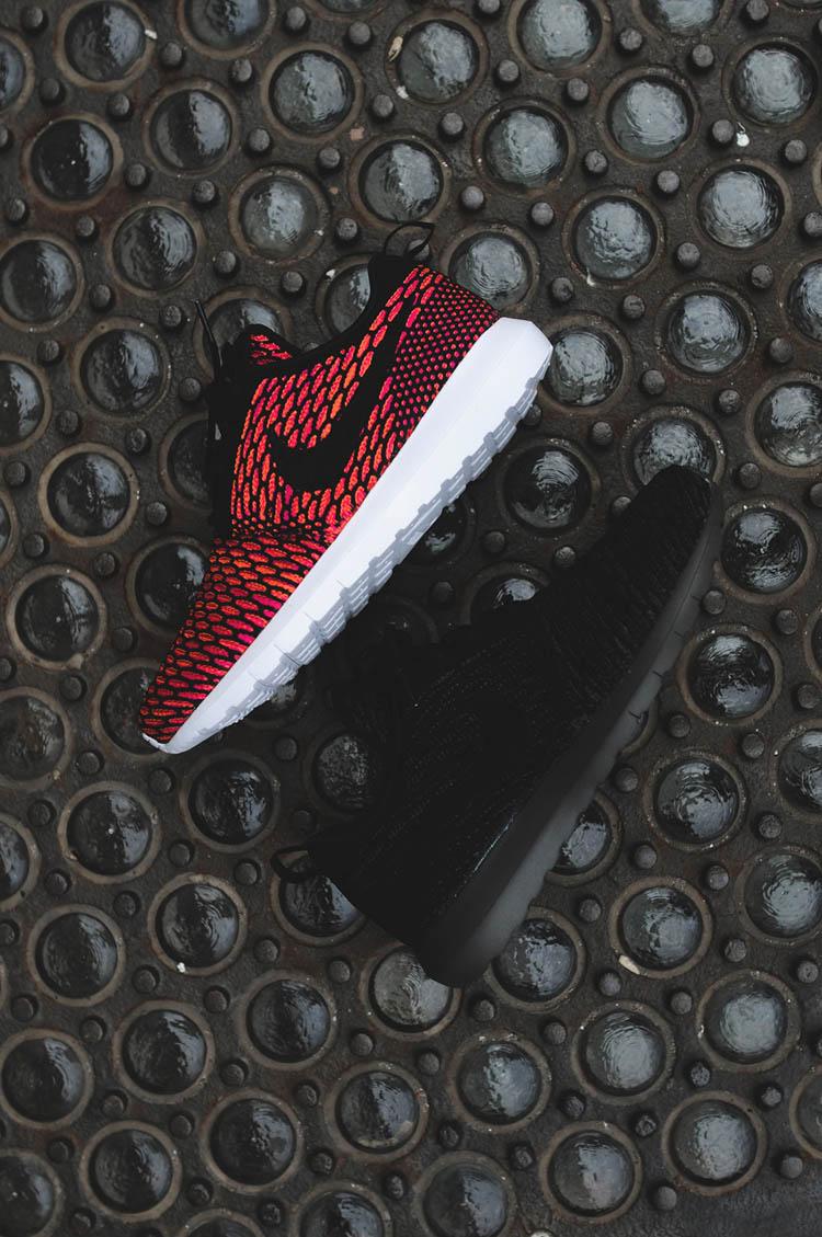 Nike Flyknit Roshe Run Red & Black
