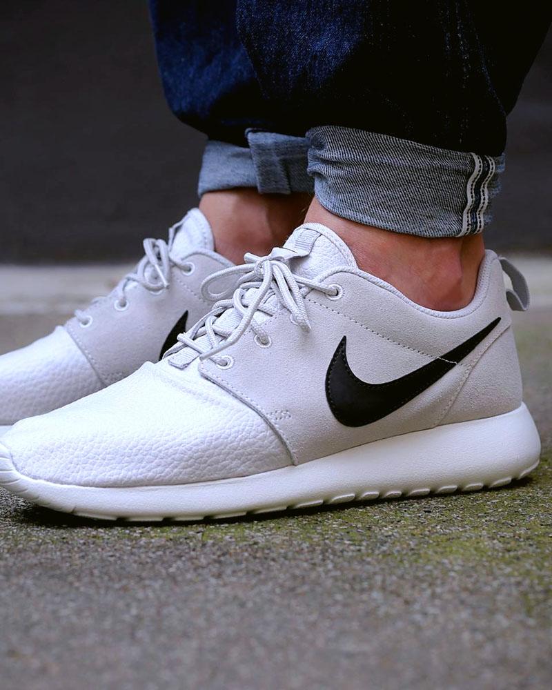 Nike Roshe Run Suede Light Grey