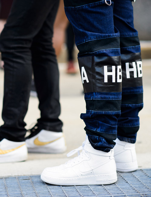 white air force 1 with jeans