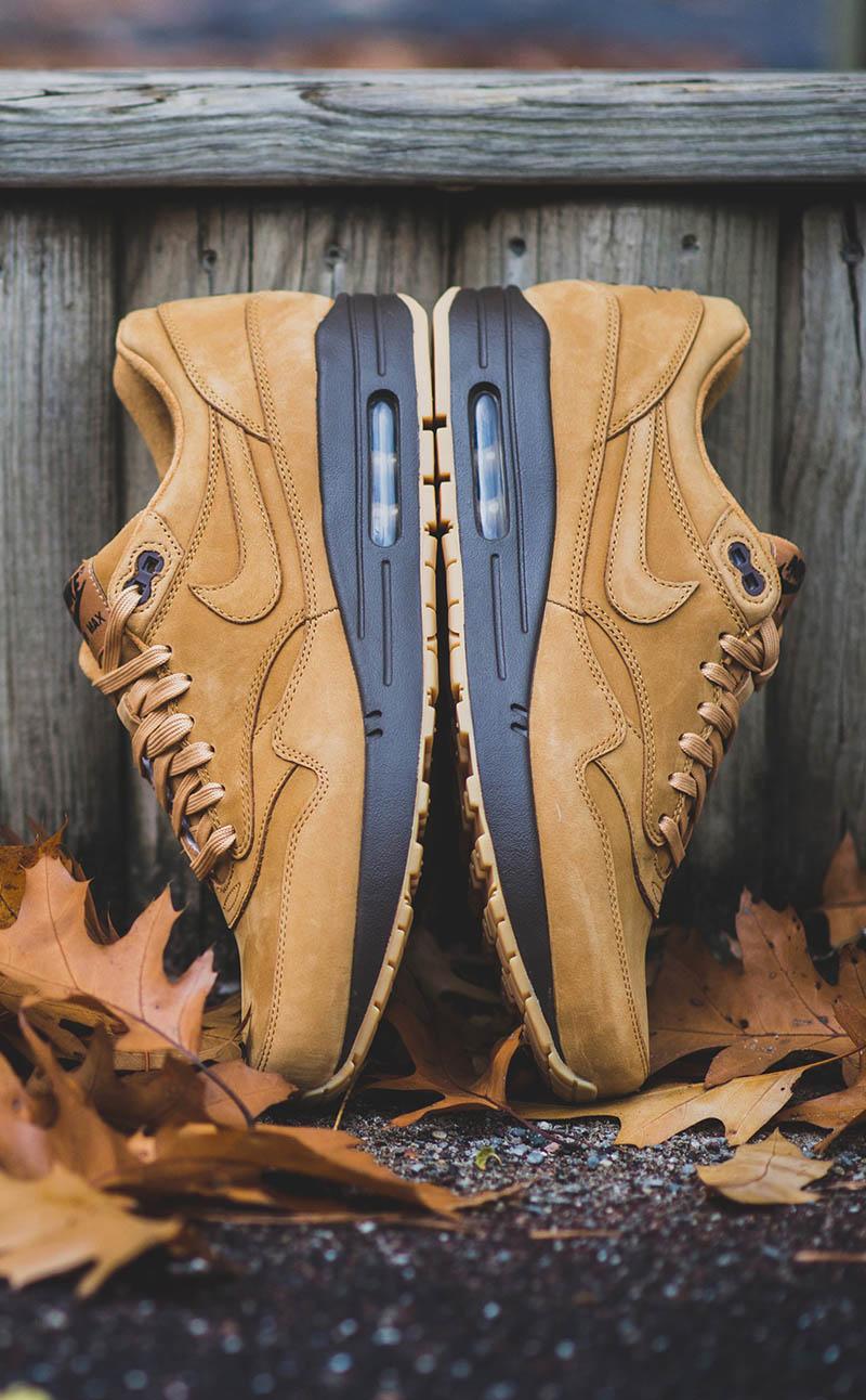 sports shoes e63fb 64f6d Nike Air Max 1 Flax QS