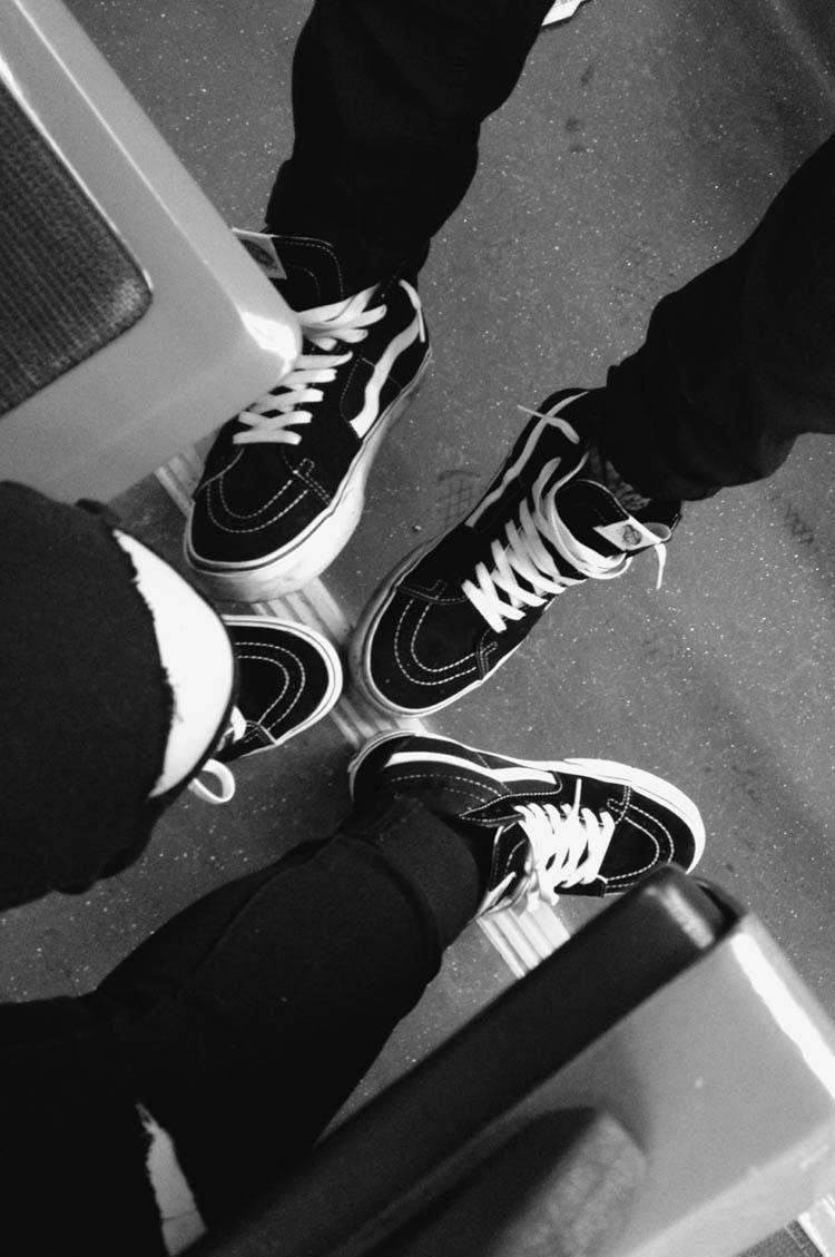 Vans Sk8-Hi × Ripped Jeans