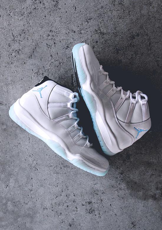 NIKE Air Jordan 11 White