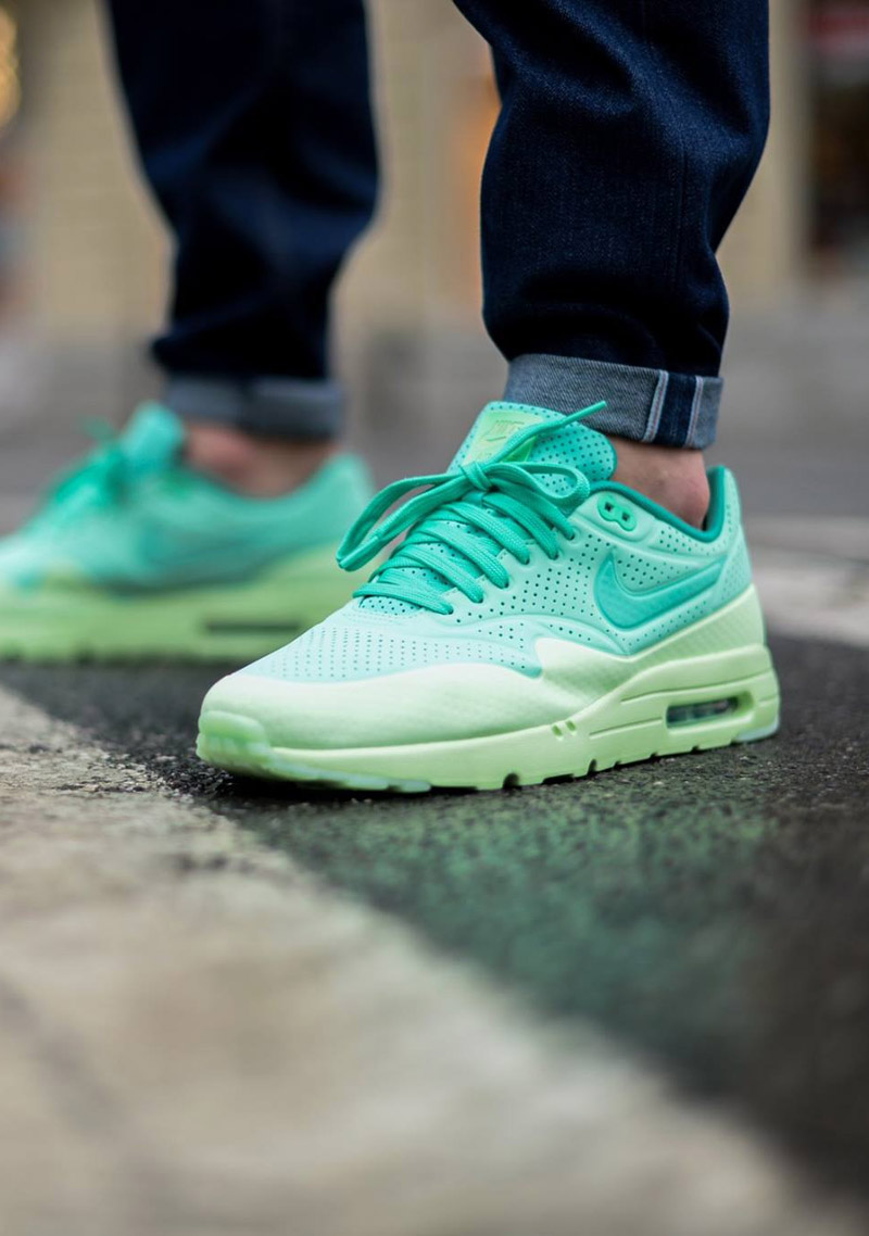 nike air max 1 ultra moire 39 green glow 39 soletopia. Black Bedroom Furniture Sets. Home Design Ideas