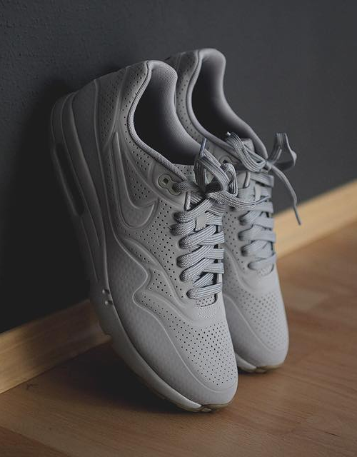Wolf Grey Ultra Moire #nike #sneakers #sneakerfashion