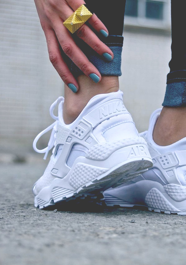 nike huarache womens all white