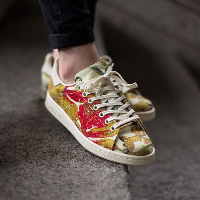 Stan Smith Jackquard #adidas #pharrell #sneakers #sneakerfashion