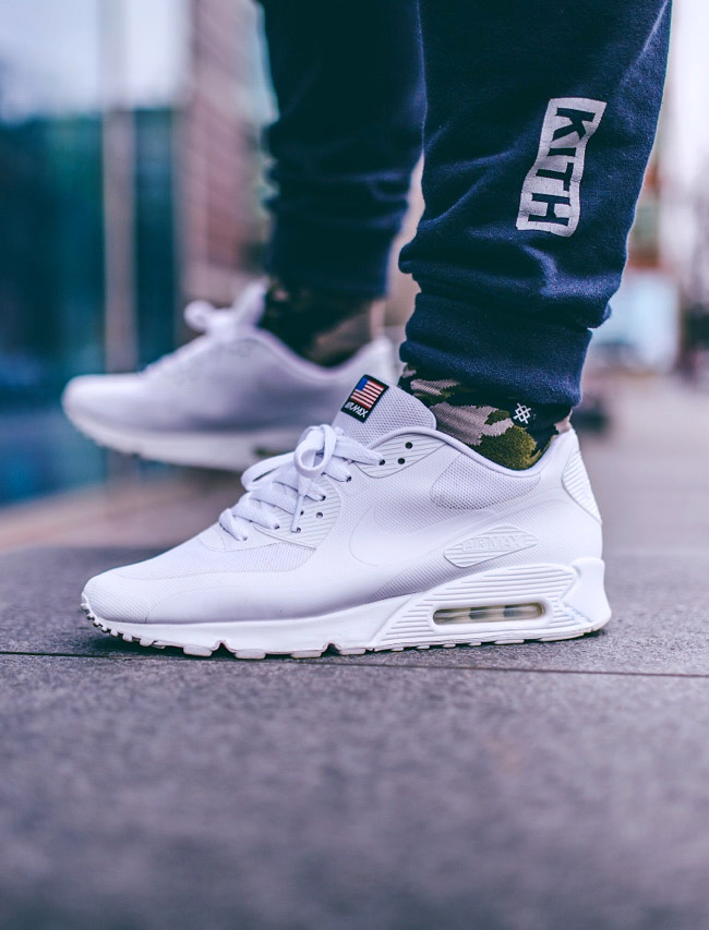 brand new 04945 6b026 white independence day air max