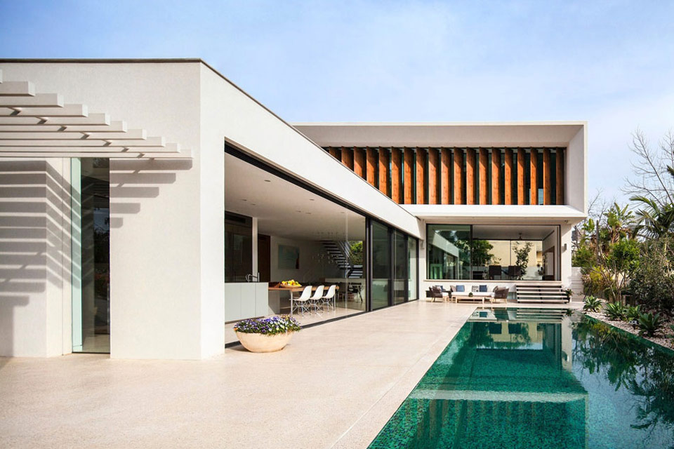 L-Shaped-Home-you-cant-afford-01